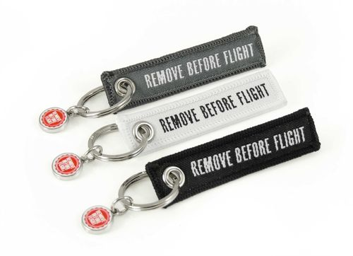 Mini REMOVE BEFORE FLIGHT keychain 3pcs black/white